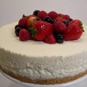 tarta de mousse de queso con frambuesa y chocolate blanco Arte&Sano